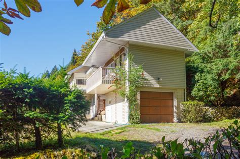 02-exterior - Vancouver Island Real Estate