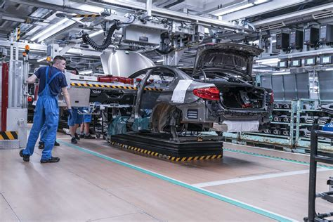 BMW Group Plant Dingolfing, Assembly, Installation of the